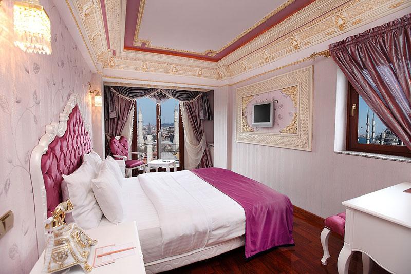 Habitaciones conectadas deluxe golden horn hotel for Habitaciones familiares italia